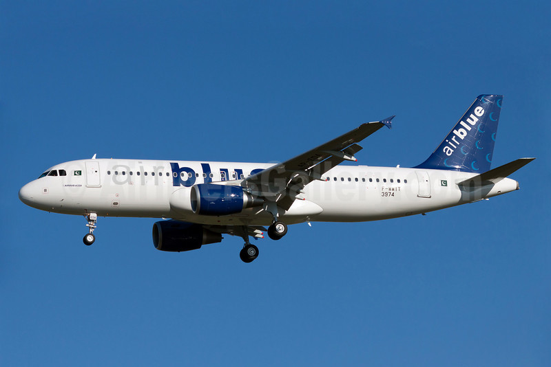Airblue Airbus A320-214 F-WWIT (AP-EDA) (msn 3974) TLS (Guillaume Besnard). Image: 905883.