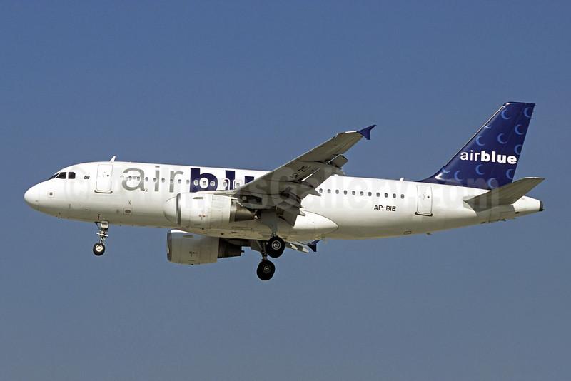 Airblue Airbus A319-112 AP-BIE (msn 3385) DXB (Christian Volpati). Image: 909899.