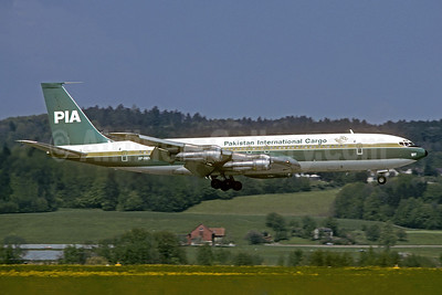 PIA-Pakistan International Airlines Cargo Boeing 707-340C AP-AXG (msn 20488) ZRH (Christian Volpati Collection). Image: 937317.