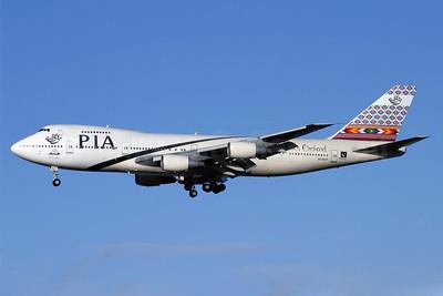 PIA (Pakistan International Airlines) Boeing 747-240B AP-BAT (msn 22077) LHR (Antony J. Best). Image: 900686.
