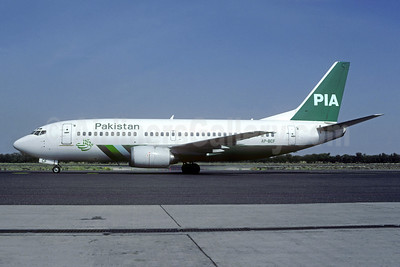 PIA-Pakistan International Airlines Boeing 737-340 AP-BCF (msn 23299) SHJ (Christian Volpagti Collection). Image: 949129.