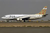 PIA (Pakistan International Airlines) Boeing 737-340 AP-BCA (msn 23294) DXB (Jay Selman). Image: 402044.