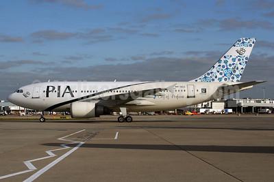PIA (Pakistan International Airlines) Airbus A310-308 AP-BDZ (msn 585) LHR (Wingnut). Image: 903973.