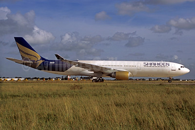 Shaheen Air International Airbus A330-301 VQ-BEU (msn 055) ORY (Jacques Guillem). Image: 920686.