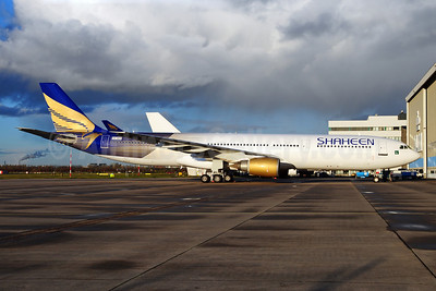Shaheen Air International Airbus A330-301 VQ-BEQ (AP-BKN) (msn 086) AMS (Ton Jochems). Image: 909708.
