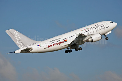 Air Niugini (White Airways) Airbus A310-304 CS-TDI (msn 573) SYD (John Adlard). Image: 902767.