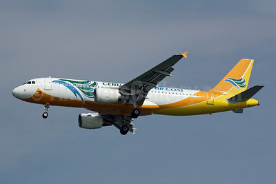 Cebu Pacific Air (Cebu Pacific Air.com) Airbus A320-214 RP-C3244 (msn 3272) SIN (Michael B. Ing). Image: 900952.