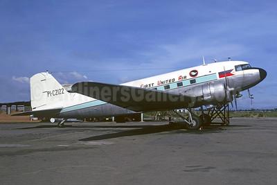 First United Air Douglas C-47A-DL (DC-3) PI-C2122 (msn 9310) MNL (Christian Volpati). Image: 949117.