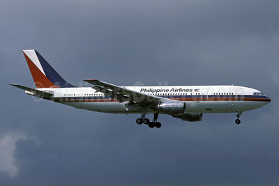 Philippine Airlines Airbus A300B4-203 RP-C3004 (msn 203) HKG (Rolf Wallner). Image: 924328.