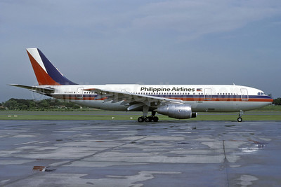 Philippine Airlines Airbus A300B4-203 RP-C3003 (msn 125) SIN (Rolf Wallner). Image: 924327.