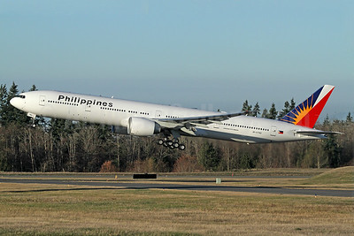 Philippines (Philippine Airlines) Boeing 777-300 ER RP-C7782 (msn 61735) PAE (Nick Dean). Image: 940281.