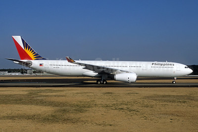 Philippines (Philippine Airlines) Airbus A330-343 RP-C8766 (msn 1566) NRT (Christian Volpati Collection). Image: 938692.