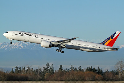Philippines (Philippine Airlines) Boeing 777-300 ER RP-C7782 (msn 61735) PAE (Nick Dean). Image: 940283.