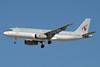 Qatar Airways Airbus A320-232 A7-ADB (msn 1648) DXB (Paul Denton). Image: 912930.
