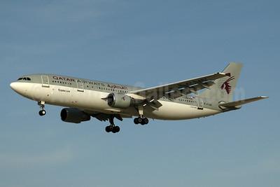 Qatar Airways Airbus A300B4-622R (F) A7-ABX (msn 554) DXB (Ton Jochems). Image: 953899.