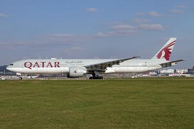 Qatar Airways Boeing 777-3DZ ER A7-BEJ (msn 60336) ZRH (Andy Hiltl). Image: 950104.