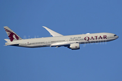 Qatar Airways Boeing 777-300 ER A7-BEO (msn 64065) LHR (SPA). Image: 941047.