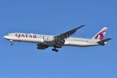 Qatar Airways Boeing 777-300 ER A7-BEU (msn 65302) JFK (Fred Freketic). Image: 948777.