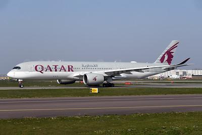 Qatar Airways Airbus A350-941 A7-ALW (msn 114) AMS (Ton Jochems). Image: 950085.