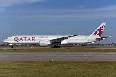 Qatar Airways Boeing 777-3DZ ER A7-BAJ (msn 36096) AMS (Ton Jochems). Image: 941266.