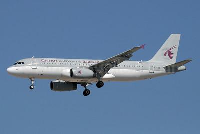 Qatar Airways Airbus A320-232 A7-ADI (msn 2161) DXB (Paul Denton). Image: 912931.