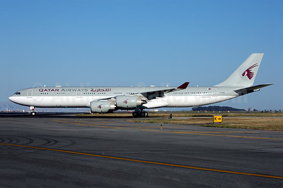 Qatar Airways Airbus A340-541 A7-HHH (msn 495) (Amiri Flight) SFO (Mark Durbin). Image: 903097.