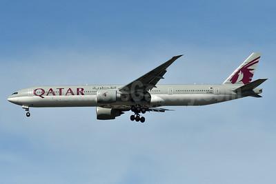 Qatar Airways Boeing 777-3DZ ER A7-BEE (msn 60331) JFK (Fred Freketic). Image: 940286.