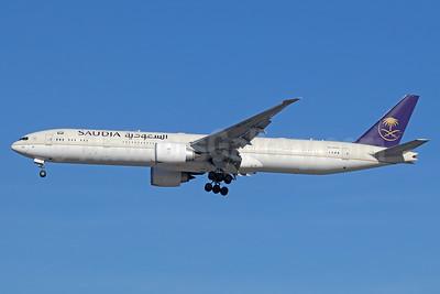 Saudia (Saudi Arabian Airlines) Boeing 777-300 ER HZ-AK43 (msn 62763) LAX (Michael B. Ing). Image: 940873.