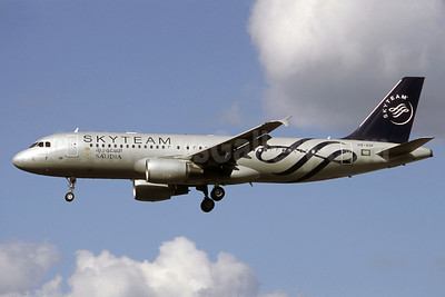 Saudia (Saudi Arabian Airlines) Airbus A320-214 HZ-ASF (msn 4955) (SkyTeam) (Jacques Guillem Collection). Image: 912230.