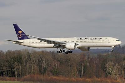 Saudia (Saudi Arabian Airlines) Boeing 777-300 ER HZ-AK44 (msn 62764) ZRH (Andi Hiltl). Image: 940875.