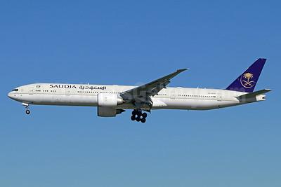 Saudia (Saudi Arabian Airlines) Boeing 777-300 ER HZ-AK40 (msn 61598) LAX (Michael B. Ing). Image: 940872.