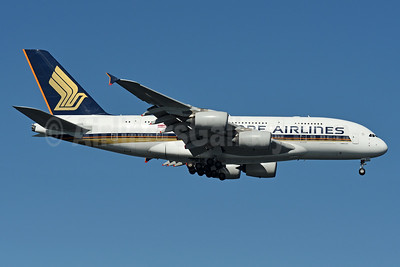 Singapore Airlines Airbus A380-841 9V-SKS (msn 085) JFK (Fred Freketic). Image: 937681.