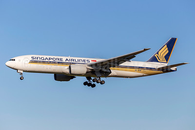 Singapore Airlines Boeing 777-212 ER 9V-SVM (msn 30874) FCO (Stefan Sjogren). Image: 938657.