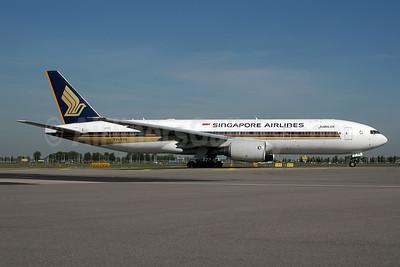 Singapore Airlines Boeing 777-212 ER 9V-SVA (msn 28524) AMS (Ton Jochems). Image: 955463.