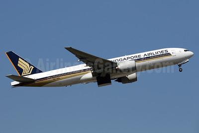 Singapore Airlines Boeing 777-212 ER 9V-SQL (msn 33370) HKG (Javier Rodriguez). Image: 937570.