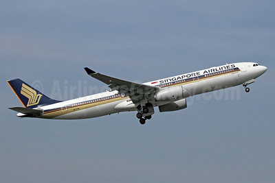 Singapore Airlines Airbus A330-343 9V-STM (msn 1107) BKK (Michael B. Ing). Image: 912976.