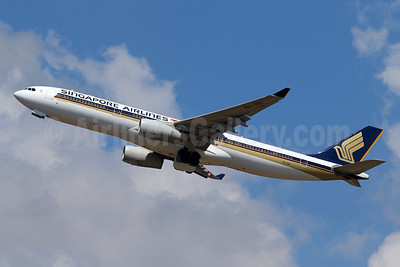 Singapore Airlines Airbus A330-343 9V-SSI (msn 1666) DPS (Pascal Simon). Image: 955467.