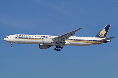 Singapore Airlines Boeing 777-312 ER 9V-SWO (msn 34580) LAX (Michael B. Ing). Image: 949523.