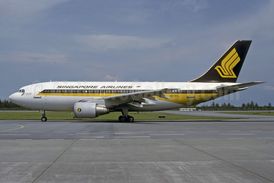 Singapore Airlines Airbus A310-222 9V-STL (msn 363) SIN (Rolf Wallner). Image: 913025.