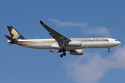 Singapore Airlines Airbus A330-343 9V-STD (msn 997) SIN (Michael B. Ing). Image: 912973.