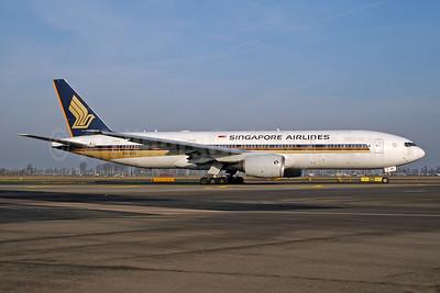 Singapore Airlines Boeing 777-212 ER 9V-SVI (msn 32316) AMS (Ton Jochems). Image: 955464.