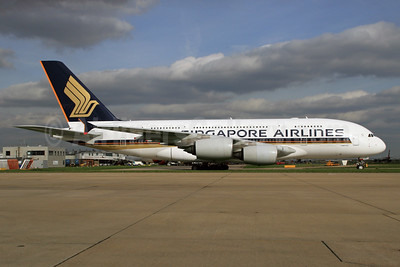 Singapore Airlines Airbus A380-841 9V-SKT (msn 092) LHR. Image: 927427.