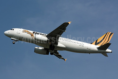 Tiger Airways (Tigerairways.com) (Singapore) Airbus A320-232 9V-TAB (msn 2195) SIN (Michael B. Ing). Image: 901097.