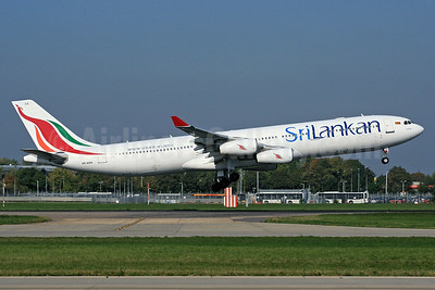SriLankan Airlines Airbus A340-311 4R-ADA (msn 032) LHR (SPA). Image: 937404.