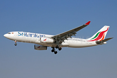 SriLankan Airlines Airbus A330-243 4R-ALH (msn 627) DXB (Christian Volpati). Image: 910426.