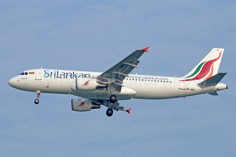 SriLankan Airlines Airbus A320-214 4R-ABO (msn 4915) SIN (Michael B. Ing). Image: 922310.