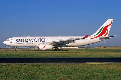 SriLankan Airlines Airbus A330-243 4R-ALH (msn 627) (Oneworld) CDG (Jacques Guillem Collection). Image: 935624.