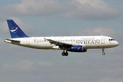 Syrian Air Airbus A320-232 YK-AKA (msn 886) LHR (Michael B. Ing). Image: 905458.