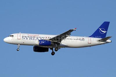 Syrian Air Airbus A320-232 YK-AKD (msn 1076) DXB (Paul Denton). Image: 910912.