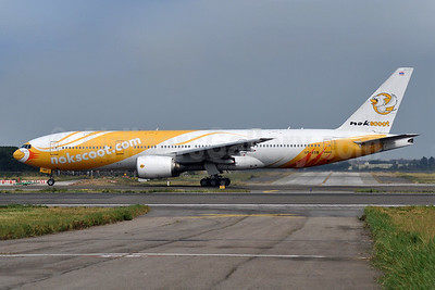 NokScoot Boeing 777-212 ER HS-XBB (msn 28522) TPE (Robbie Shaw). Image: 940501.